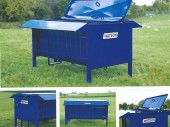 New Walter Watson Double Sided Bull Beef Feeder